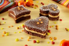 Bolo-divertido-com-creme-de-laranja Mini Desserts, Just Desserts, Naked Cakes, Childrens Meals, Relleno, Coco, Birthday Celebration, Sweet Tooth, Cheesecake