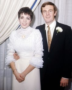 Liza Minnelli and Peter Allen, 1967 | 41 Insanely Cool Vintage Celebrity Wedding Photos