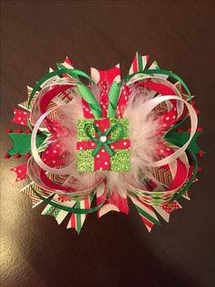 Christmas present hairbow 🎀 🎁 🎄