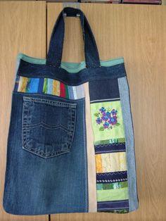 Jeansbeutel - verziert und mit gestickter Blume