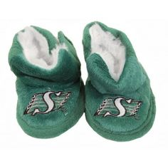 Saskatchewan Roughriders Infant Slippers - need these for Noah so he can match daddy :) Saskatchewan Roughriders, Little Boys, Cute Babies, Infant, Baby Shoes, Pride, Daddy, Slippers, Canada