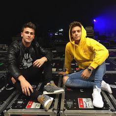 Rugge y Gastón Ariana Grande Justin Bieber, Fine Boys, Son Luna, 24 Years Old, Shows, Disney Channel, Cute Guys, Memes, Love Him