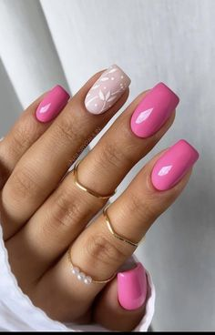 Classy Nails, Fancy Nails, Stylish Nails, Trendy Nails, Pink Nail Art, Pink Nails, Oval Nails, White Nails, French Tip Acrylic Nails