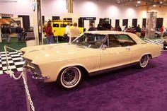 Bamboo Cream 1965 Buick Riviera, Us Cars, American Pride, Exterior Colors, Classic Cars, Bamboo, Engineering, Cream, Creme Caramel