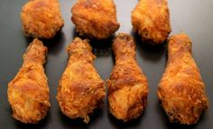 Fried chicken drumsticks are great for picnics and parties. These buttermilk fried chicken legs are amped up with Tabasco sauce and cayenne peppers. Fried Chicken Drumsticks, Fried Chicken Legs, Spicy Fried Chicken, Keto Chicken, Creamy Chicken, Rotisserie Chicken, Chicken Drumstick Recipes, Low Carb Chicken Recipes, Vegetarian Recipes