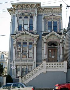 Mish House on Oak Street - San Francisco, California Fancy Houses, Old Houses, Vintage Houses, Victorian Architecture, Architecture Details, Beautiful Buildings, Beautiful Homes, San Francisco Apartment, Victorian Style Homes