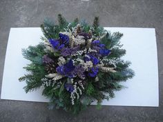 Christmas Wreaths, Christmas Ornaments, Funeral, Flower Power, Floral Wreath, November, Projects To Try, Homemade, Seasons