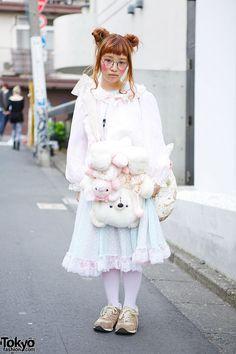 Vintage-loving Fuwako on the street in Harajuku... | Tokyo Fashion