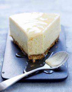 Made in New York, le cheesecake est devenu l'incontournable de nos goûters. Aux fruits, au chocolat, aux agrumes, la recette de base se décline à...