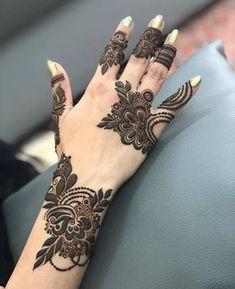 Mehndi is something that every girl want. Arabic mehndi design is another beautiful mehndi design. We will show Arabic Mehndi Designs. Henna Hand Designs, Mehandi Designs, Mehndi Designs Finger, Latest Henna Designs, Stylish Mehndi Designs, Mehndi Design Pictures, Latest Mehndi Designs, Mehndi Images, Dubai Mehendi Designs