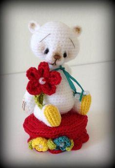 Miniture thread artist bear