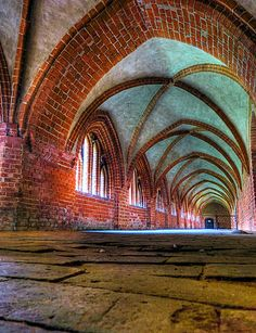 The cloistered courtyard in the Eastwing of the Havelberg St. Mary's Cathedral - Germany - Havelberger Dom St. Marien (by troedeljahn)