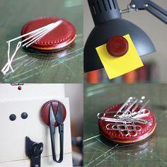 マグネット/magnet 針置きに。 ミシンに付けてハサミ置きに。 メモホルダーに。 クリップキャッチャーに。 使い方いろいろ。 #leather #leathercraft #leatherwork #leathergoods #handmade #革 #Bespoke #AdmaioraDesignare #アドマイオーラデジナーレ #マグネット #文具 #ステーショナリー #stationery #magnet #手縫い #オーダーメイド #パターンオーダー #OEM #別注 #セレクトショップ #二宮町 #カスタムオーダー #セミオーダー #二宮 #二宮革工房 #革教室 #革の手縫い教室 #手縫い教室