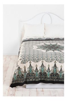 Starburst Tapestry Throw - Urban Outfitters