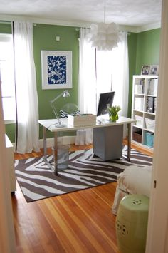 love the green with the blue accent...with the rug!