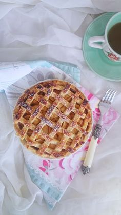Tarta de Manzana (Apple Pie) - Lavanda Cakes Fall Dessert Recipes, Apple Desserts, Fall Desserts, My Recipes, Sweet Recipes, Cooking Recipes, Pan Dulce, Sin Gluten, Apple Pie