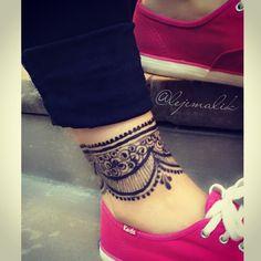 Henna anklet