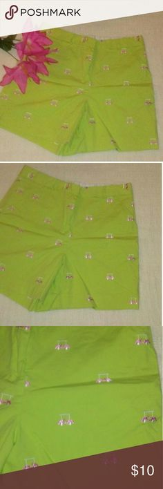 Lilly Pulitzer Green Golf Cart Shorts Size 8 Very nice condition size 8 shorts Lilly Pulitzer Shorts