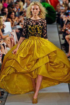 Oscar de la Renta Spring 2012 RTW Fashion Show