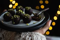 Marcipánové guľky Chocolate Fondue, Panna Cotta, Food And Drink, Cake, Ethnic Recipes, Fit, Dulce De Leche, Shape, Kuchen
