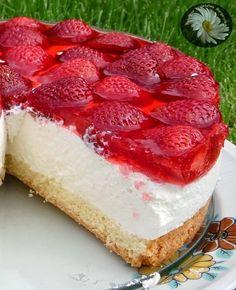 Kulinarne Szaleństwa Margarytki: Biszkopt z bitą śmietaną, truskawkami i galaretką Cheesecake, Dessert Recipes, Cook, Anna, Drink, Strawberry Cakes, Strawberries, Beverage, Cheesecakes
