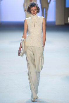 Akris Parigi - Collections Fall Winter - Shows - Vogue. Vogue Fashion, Runway Fashion, Fashion Show, Fashion Design, Paris Fashion, High Fashion, 2015 Fashion Trends, Catwalks, Fall 2015