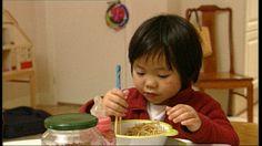 Chinees eten Lekker eten bij een Chinese familie In China eten ze met stokjes! Kan jij eten met stokjes? Chinese Crafts, Educational Videos, School Projects, Restaurant, China, Breakfast, Ideas Para, Food, Chinese Lessons