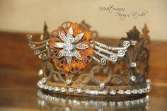 Authentic rusted crown. Mediterranea Design Studio.