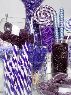 purple candy buffet I LOVE PURPLE! I think this is a neat idea. I saw something like this at one of my daughter's friends birthday party with purple & pink as the theme-- Purple Birthday, Purple Party, Purple Wedding, Yellow Weddings, Purple Candy Buffet, Caramel Mou, Buffet Dessert, Bar A Bonbon, Wedding Candy