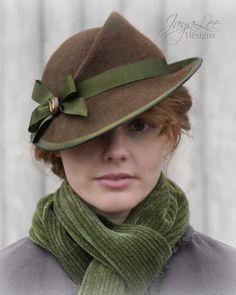 Women Felt Tilt Hat Vintage Style in от GreenTrunkDesigns More - hats for women 1930s Fashion, Art Deco Fashion, Vintage Fashion, Vintage Style, 1930s Style, Rustic Style, Victorian Fashion, Gothic Fashion, Fashion Fashion
