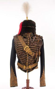 Royal Horse Artillery Victorian uniform tunic and kit. British Army Uniform, British Uniforms, Men In Uniform, Historical Costume, Historical Clothing, Royal Horse Artillery, Braided Belt, Military Fashion, Victorian Fashion