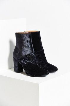 b5abccfaa0b Liza Heeled Boot Urban Outfitters Shoes