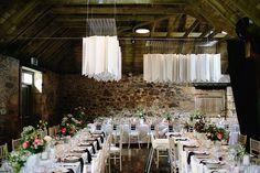 #tischdeko #tablescape #weddingdecor Rustikale Hochzeit mit geometrischem Chic in Schottland | Hochzeitsblog - The Little Wedding Corner