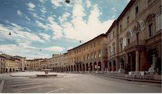 Nel pomeriggio a #SanSeverino #Marche verrà assegnato il titolo di Comune più veloce della provincia di #Macerata http://www.laprimaweb.it/2013/06/01/giornata-dello-sport-nelle-marche/
