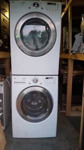 """victoria, BC for sale """"appliances"""" - craigslist Stacked Washer Dryer, Washer And Dryer, Dryers, Washers, Home Appliances, Victoria, House Appliances, Kitchen Appliances, Clothes Dryer"""