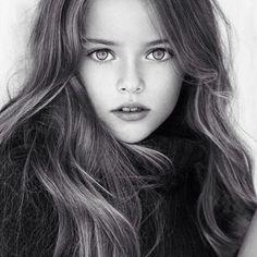 これが世界的美少女、クリスティーナ・ピメノヴァちゃん(8歳・ロシア)である。※動画あり