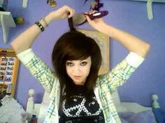 thick teased hair hair on top for extra volume with straighter hair underneath to show length Mohawk Hairstyles, Hairdos, Scene Haircuts, Poofy Hair, Twisted Hair, Emo Scene Hair, Scene Girls, Hair Shows, Layered Hair