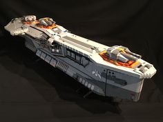 The Hiigaran Destroyer Starship Built with LEGO Bricks Gadgetsin Lego Spaceship, Spaceship Design, Amazing Lego Creations, Lego Ship, Lego Mechs, Sci Fi Ships, Lego War, Concept Ships, Lego Models
