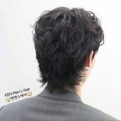 2019 남자 머리스타일,2019 남자 헤어스타일,여름 남자 머리,2019 남자 펌,2019 남자 짧은머리스타일,남자 크롭컷,남자 크롭컷 다운펌,2019 남자 크롭컷,남자 가르마펌, : 네이버 블로그 Korea Hair Style Men, Korean Fashion, Mens Fashion, Shoulder Length Hair, Hair Lengths, Korean Hair, Hair Styles, K Fashion, Moda Masculina
