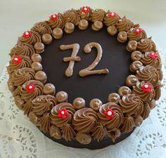 čokoládový dort klasické chuti a zdobení Chocolate Cake, Birthday Cake, Desserts, Food, Chicolate Cake, Tailgate Desserts, Chocolate Cobbler, Deserts, Chocolate Cakes