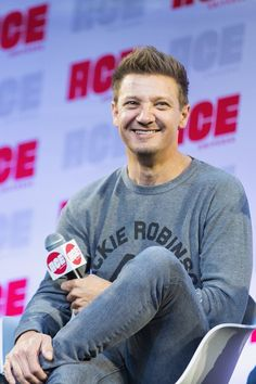 Actor Jeremy Renner speaks on stage during ACE Comic Con at Century.