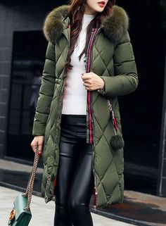 The down coat is featuring faux fur trim hood, long sleeve, full zip closure and side pocket. Capelet Dress, Long Parka, Collars For Women, Parka Coat, Hooded Parka, Bodycon Dress Parties, Casual Winter Outfits, Down Coat, Stylish Clothes