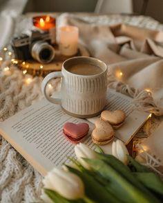 Coffee Photography, Coffee Time, Life Is Beautiful, Candle Jars, Sweet Home, Mugs, Tulip, Tableware, Aesthetics