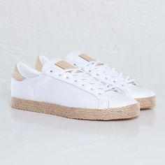 United Arrows x adidas Originals Rod Laver Vin Espadrille New Images Moda Sneakers, Loafer Sneakers, Best Sneakers, White Sneakers, Sneakers Fashion, Fashion Shoes, Loafers, Rod Laver, Sock Shoes