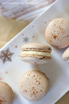 Gingerbread macarons with eggnog buttercream