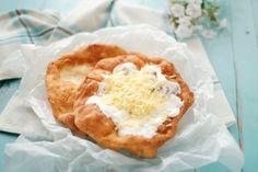Egy finom Kefires lángos (sajtos-tejfölös) ebédre vagy vacsorára? Kefires lángos (sajtos-tejfölös) Receptek a Mindmegette.hu Recept gyűjteményében! Kefir, Camembert Cheese, Hamburger, Food And Drink, Pie, Cooking Recipes, Lunch, Desserts, Torte