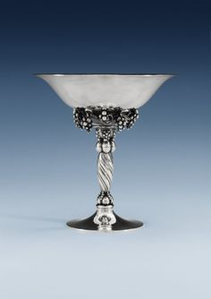 A GEORG JENSEN STERLING BOWL, DESIGN NR 263 B, COPENHAGEN 1945-77.