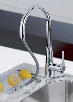 """Teka Vita VTK 938 24.938.02.00 mosogató csaptelep Fém kihúzható 1 funkciós zuhanyfej Forgatható kifolyócsővel 3/8"""" bekötő csővel Vízkőmentes perlátor"""