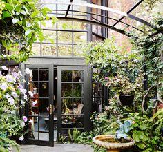 Melbourne courtyard garden