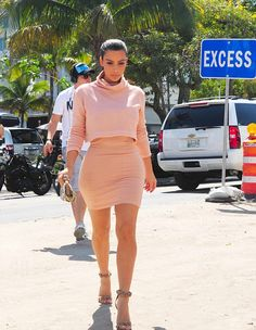March 122014 -Kim Kardashian shopping in Miami.